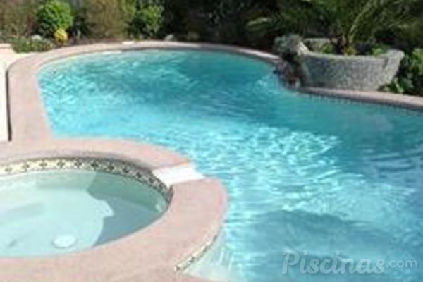 C mo disfrutar de la piscina todo el a o - Panales para piscina ...