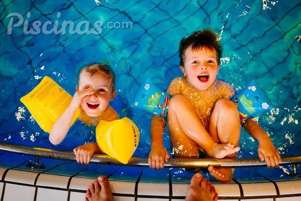 10 consejos para garantizar la seguridad infantil en las piscinas