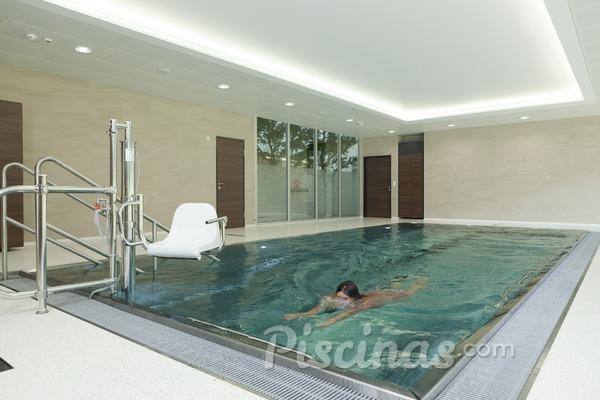 Cómo mantener una piscina climatizada